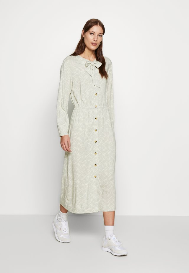 BARBARA DRESS - Skjortekjole - green tint