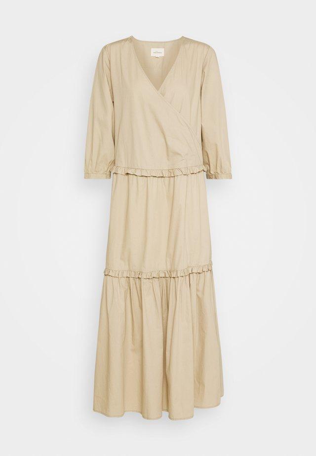 ELLY WRAP AROUND DRESS - Robe longue - white peper