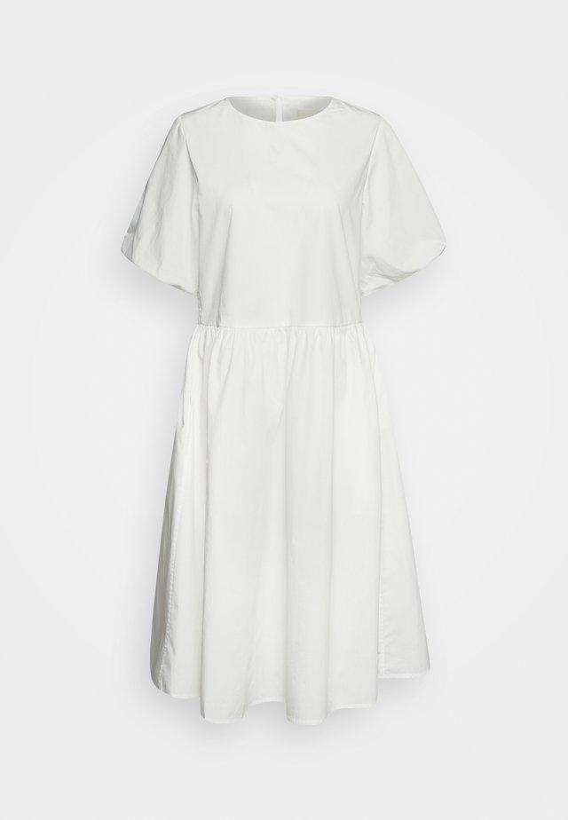 JANA MIDI DRESS - Korte jurk - white