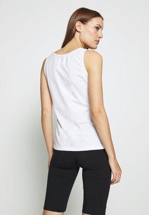 PETRA - Topper - white