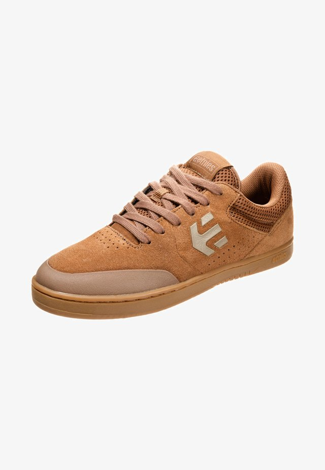 MARANA - Skatesko - brown/gum