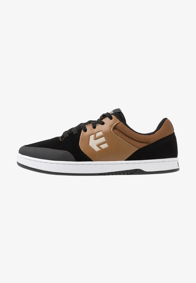 MARANA - Skateskor - black/brown