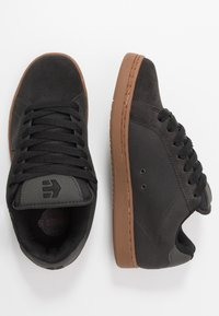 Etnies - Matalavartiset tennarit - charcoal - 1