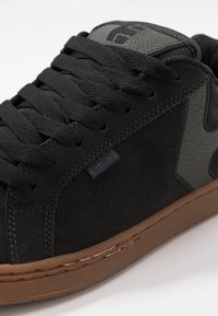 Etnies - Matalavartiset tennarit - charcoal - 5