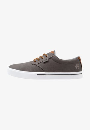 JAMESON ECO - Obuwie deskorolkowe - grey/brown