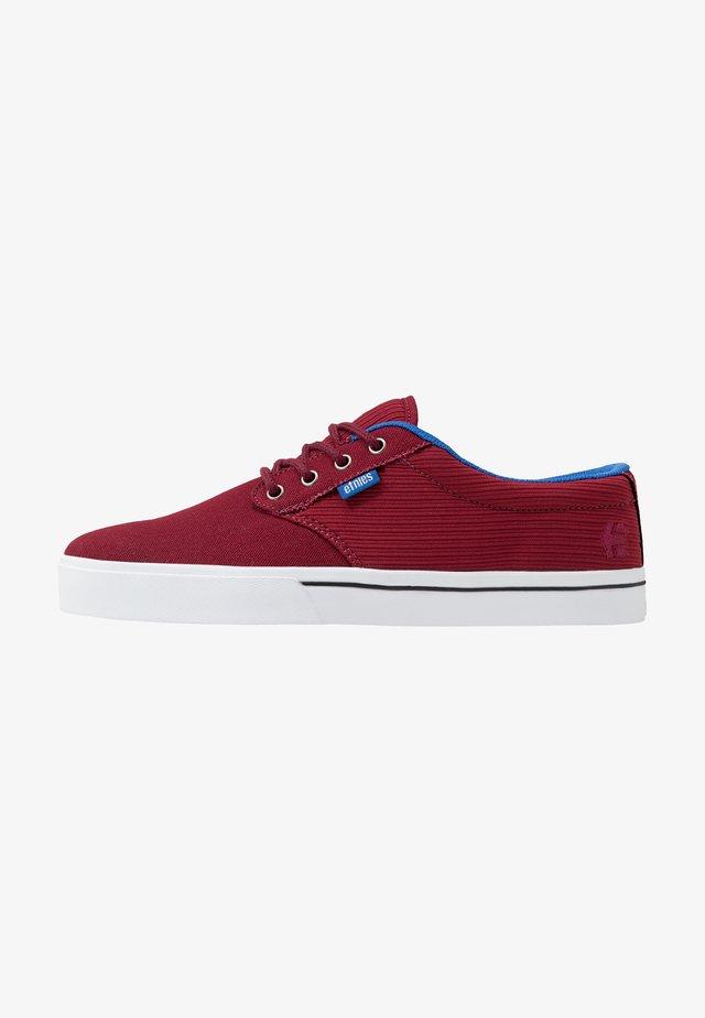JAMESON ECO - Skateskor - red/blue/white