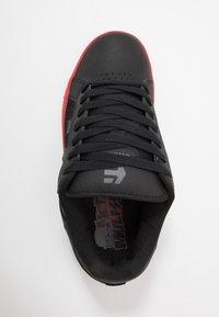 Etnies - METAL MULISHA FADER 2 - Skatesko - black/red - 1