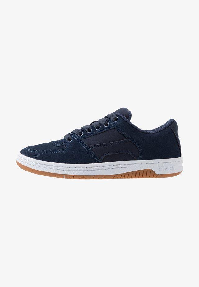 SENIX - Scarpe skate - navy/white