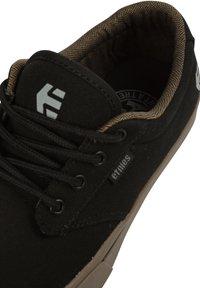 Etnies - JAMESON  - Skate shoes - black - 6