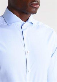 Eton - SUPER SLIM FIT - Formální košile - light blue - 3