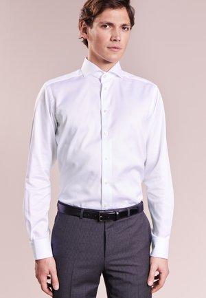 CONTEMPORARY FIT - Camicia elegante - white