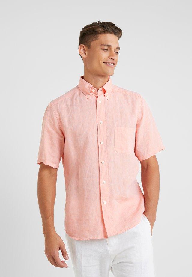 SLIM FIT - Shirt - lachs