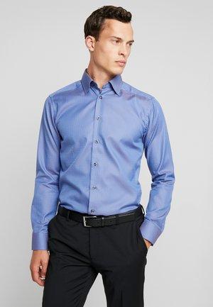 SLIM FIT - Camicia - light blue