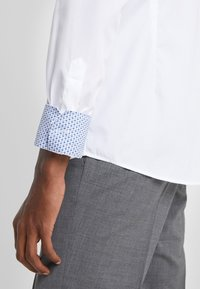 Eton - SLIM FIT - Camicia elegante - white - 4