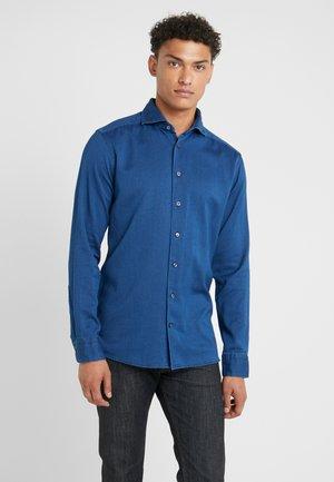 SLIM FIT - Skjorta - dark blue denim
