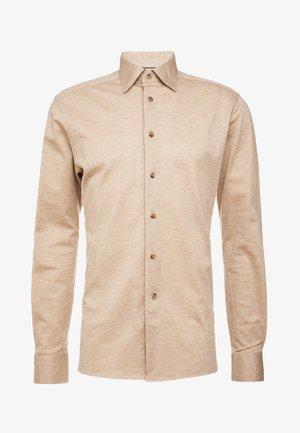 SLIM FIT - Skjorta - brown