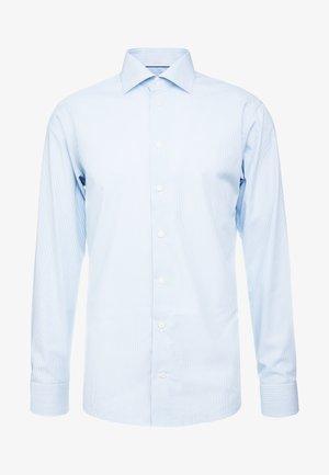 SLIM FIT - Kostymskjorta - light blue