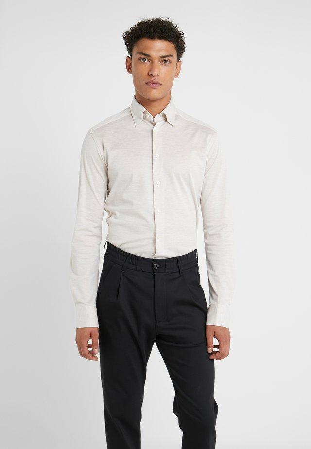 SLIM FIT - Camicia - beige