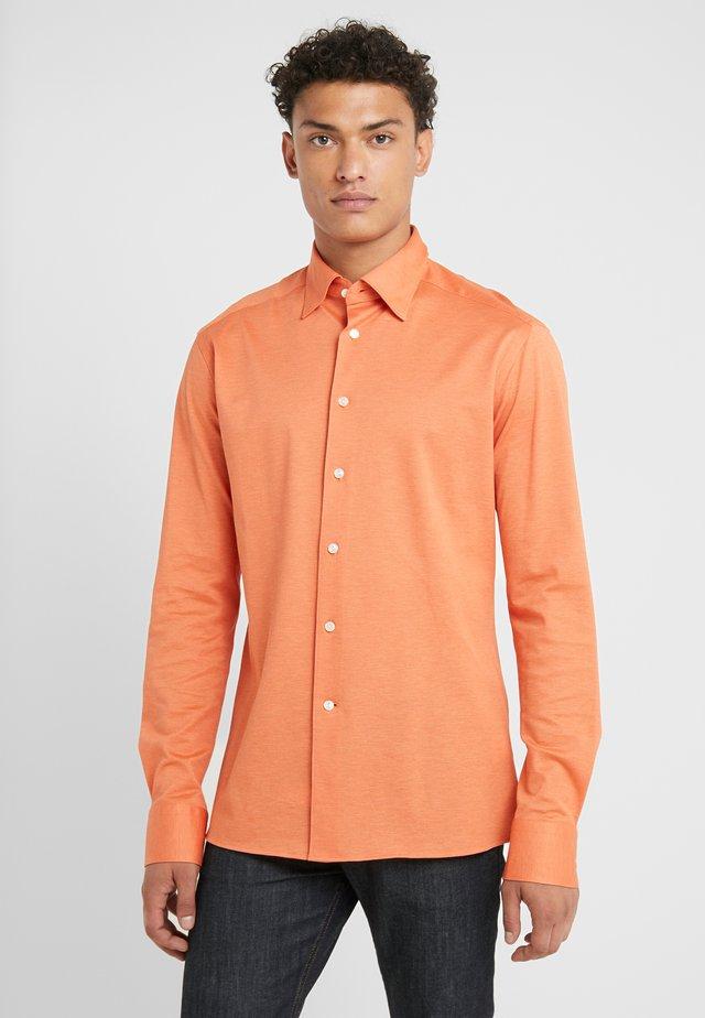 SLIM FIT - Shirt - orange
