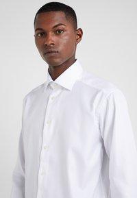 Eton - SLIM FIT - Camisa elegante - white - 4