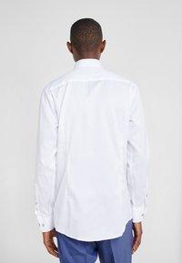 Eton - SLIM FIT - Business skjorter - white - 2