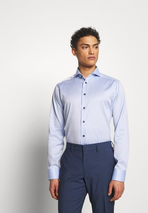 SLIM FIT - Camicia elegante - light blue