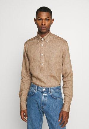 SLIM FIT - Skjorter - brown