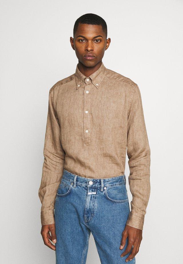 SLIM FIT - Skjorte - brown