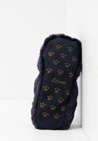 Etam - CHAT-SOCKS - Slippers - indigo - 6