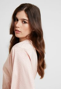 Etam - FORENTINE DESHABILLE - Dressing gown - rose - 3