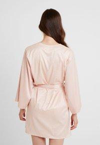 Etam - FORENTINE DESHABILLE - Dressing gown - rose - 2