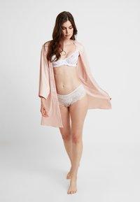 Etam - FORENTINE DESHABILLE - Dressing gown - rose - 1