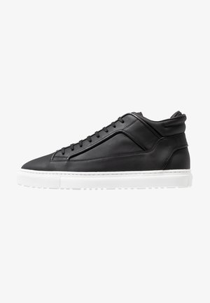 Höga sneakers - black