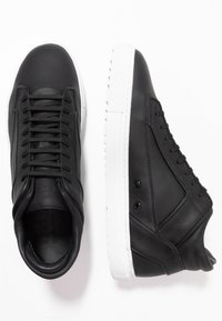 ETQ - Höga sneakers - black - 1