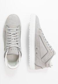 ETQ - Höga sneakers - alloy - 1