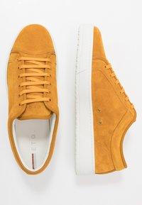 ETQ - Sneakers - sunflower - 1