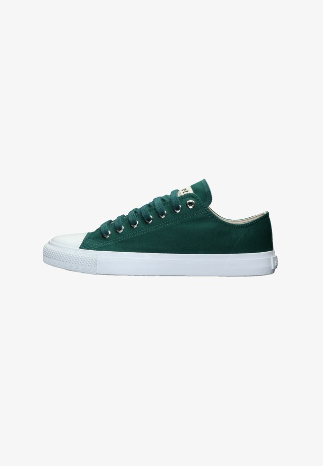 Trainers - emerald velvet | just white