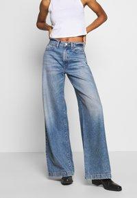 Ética - DEVON - Flared Jeans - titanic blue - 0