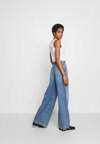 Ética - DEVON - Flared Jeans - titanic blue - 2