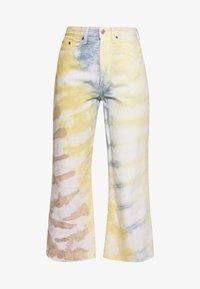 Ética - DEVON CROP - Flared Jeans - botanical - 5