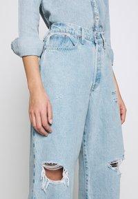 Ética - DEVON CROP - Flared jeans - mojave river - 3