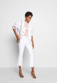 Ética - MICKI - Flared Jeans - white dawn - 1