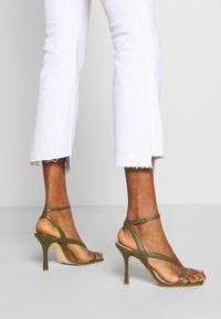 Ética - MICKI - Flared Jeans - white dawn - 4