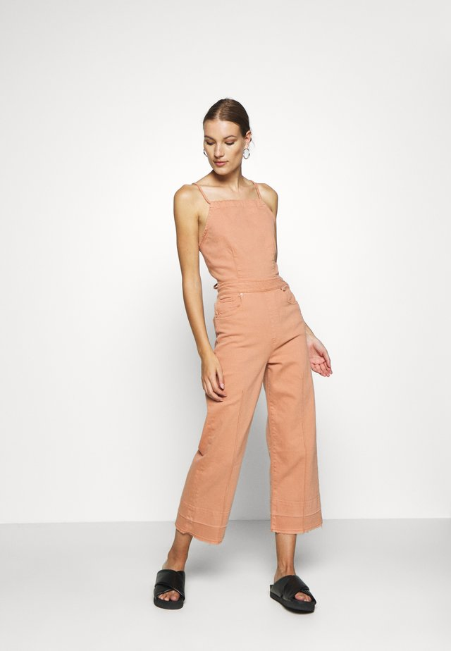 Jumpsuit - tan