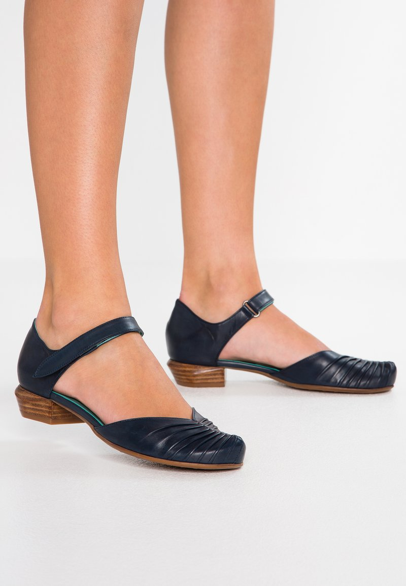 Everybody - Ankle strap ballet pumps - blu