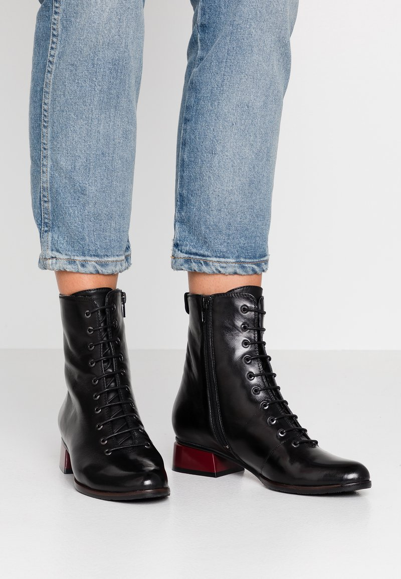 Everybody - Lace-up ankle boots - glove nero
