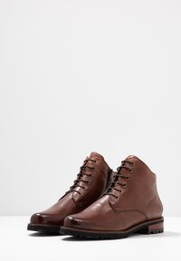 Everybody - Ankle boot - cognac - 4