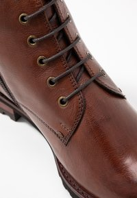 Everybody - Ankle boot - cognac - 2