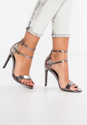 Sandály na vysokém podpatku - gunmetal