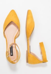Even&Odd - Ankle strap ballet pumps - yellow - 3